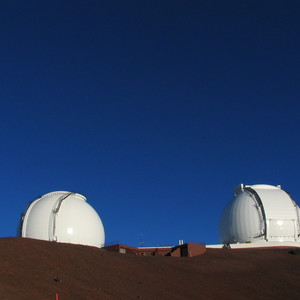 Keck_telescopes